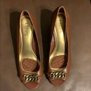 Chaps open toe wedge brown sz 7.5